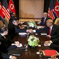 Дональд Трамп и Ким Чен Ын начали встречу в расширенном формате