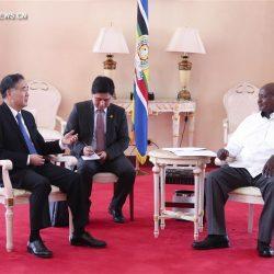 Ван Ян совершил официальный и дружественный визит в Уганду