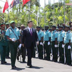 Си Цзиньпин встретился с генерал-губернатором Папуа-Новой Гвинеи Б. Дадае