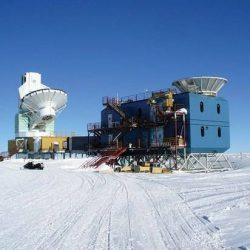 Китайский «Снежный орёл» и его большое гнездо в Антарктиде