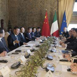 Си Цзиньпин провел переговоры с премьер-министром Италии Дж. Конте