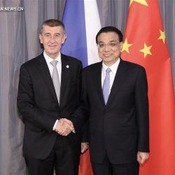 Ли Кэцян встретился с премьер-министром Чехии А. Бабише