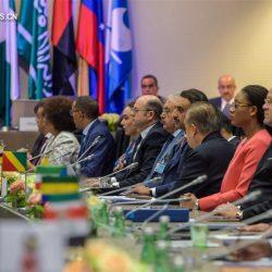 Нефтедобывающие страны, не входящие в состав ОПЕК, присоединились к соглашению ОПЕК по сокращению добычи нефти