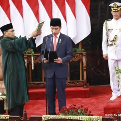 Вновь избранный президент Индонезии Джоко Видодо принес присягу и вступил в должность