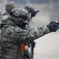 Российский спецназ глазами морского котика США  - У него дырка в плече, а он улыбается