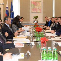 Главы МИД Китая и Словении обсудили укрепление двустороннего сотрудничества