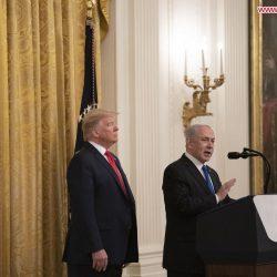 Иран решительно осудил мирный план США для Среднего Востока