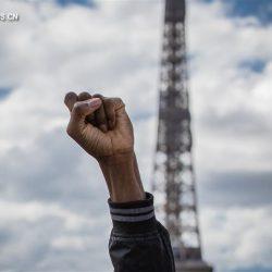 Жители Франции выразили протест против расовой дискриминации